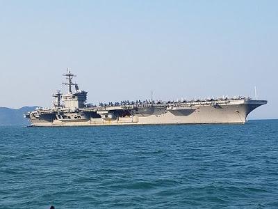 "1 giờ ""la cà"" trên USS Carl Vinson"