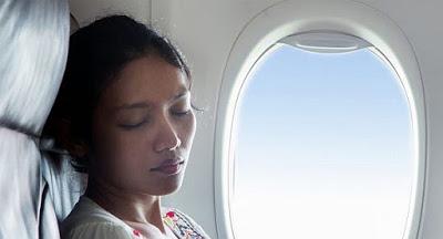 6 mẹo tránh thức trắng trên những chuyến bay dài